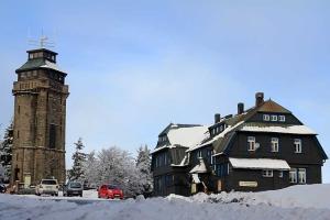berggasthof-uitkijktoren-auersberg